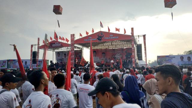 Walkot Semarang di Kampanye Akbar PDIP: Jangan Sampai Jokowi Dicurangi (536958)