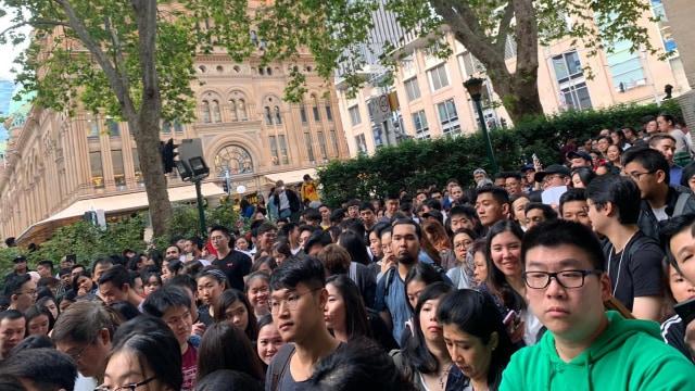 Pemilu 2019 di luar negeri, Antrean warga di Town Hall Sydney untuk mencoblos