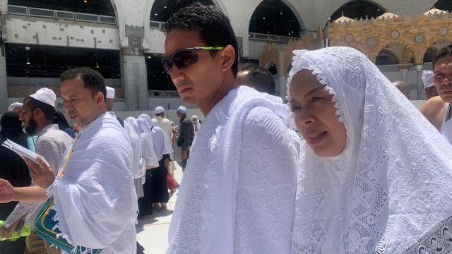 Sandiaga Uno bersama Istrinya, Nur Aisa, pergi umroh