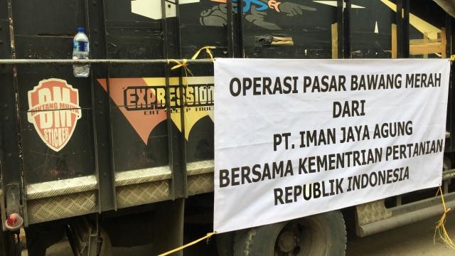 Operasi Bawang Merah Kementan di Pasar Induk Kramat Jati, Jakarta Timur, Senin