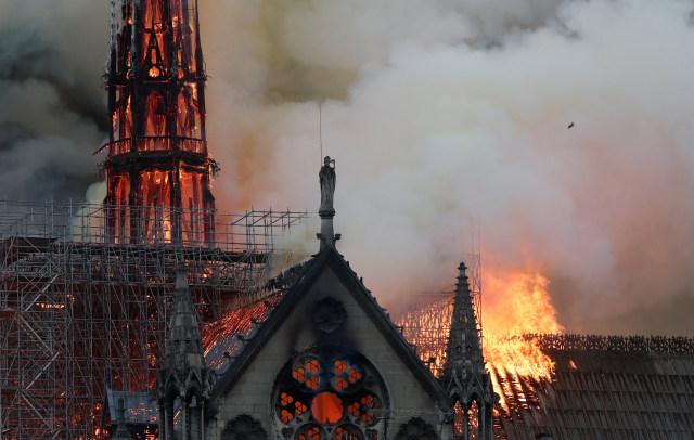 Duka Pemimpin Dunia untuk Notre Dame (79306)