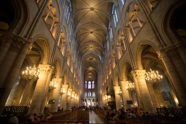 Foto: Api Melahap Katedral Notre Dame, Paris (200612)