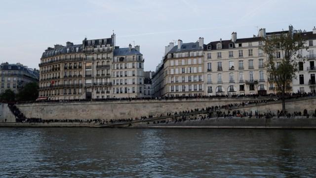 Foto: Kebakaran Katedral Notre Dame Menarik Simpati Banyak Masyarakat (1362713)