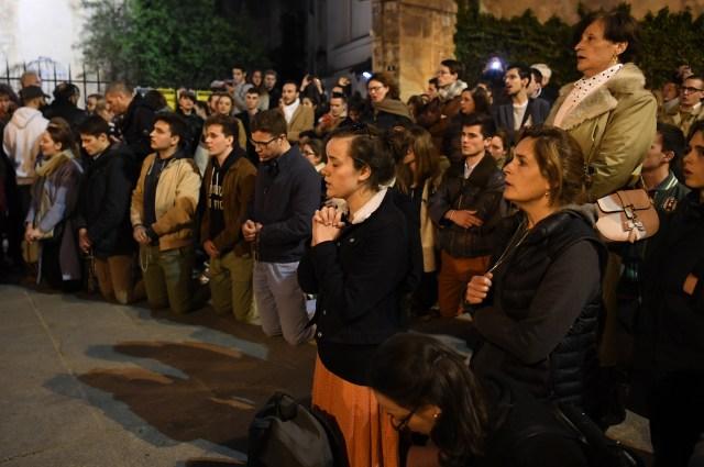Foto: Kebakaran Katedral Notre Dame Menarik Simpati Banyak Masyarakat (1362721)