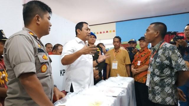 Wali Kota Semarang, Hendrar Prihadi cek kesiapan sejumlah TPS di wilayahnya