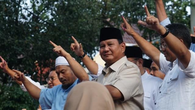 Capres nomor urut 02, Prabowo Subianto saat menggelar konferensi pers