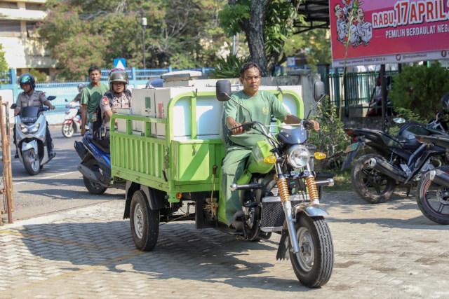 Kotak Suara di Banda Aceh Mulai Bergeser dari PPS ke PPK (8).JPG