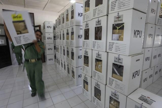 Kotak Suara di Banda Aceh Mulai Bergeser dari PPS ke PPK (2).JPG