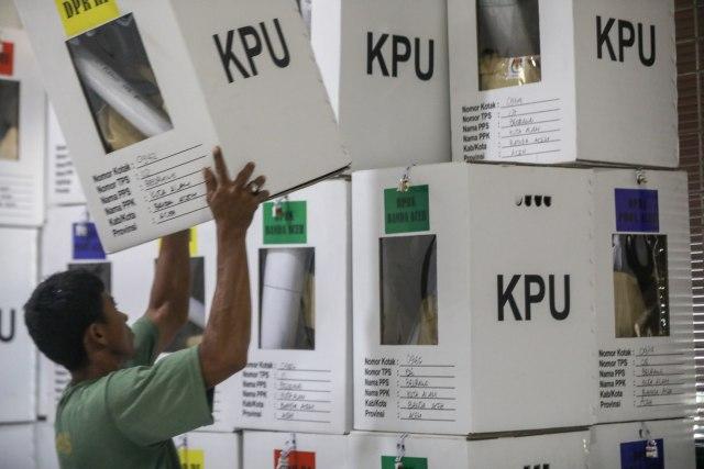 Kotak Suara di Banda Aceh Mulai Bergeser dari PPS ke PPK (10).JPG