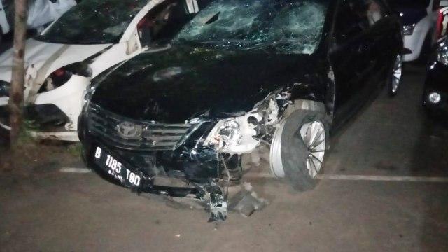 kondisi mobil tabarak lari di Tebet