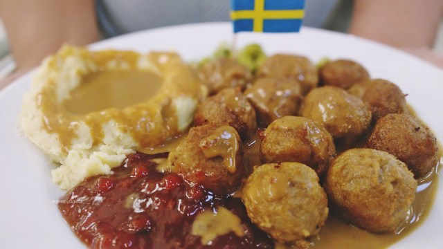 swedih meatball ikea.jpg