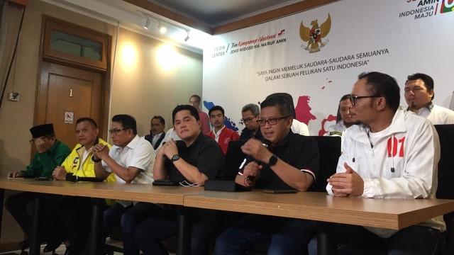 Ketua TKN Erick Tohir dengan sejumlah sekjen parpol pendukung Jokowi-Maruf