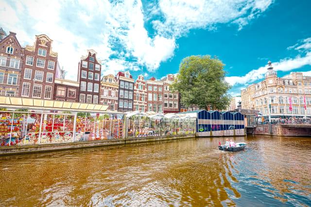 Satu-satunya Pasar Bunga Terapung di Belanda Tutup (14646)