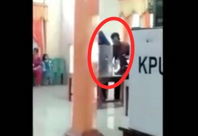 Viral Video Petugas KPPS di Boyolali Coblos 10 Surat Suara Pemilih (6871)