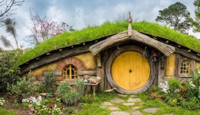 Rumah Hobbit Bandung Farmhouse Susu Lembang.jpg
