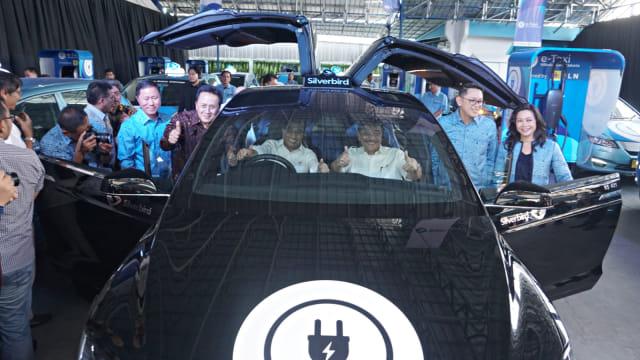 Peluncuran mobil taksi listrik Bluebird (e-Taxi) di Kantor Pusat Bluebird Group