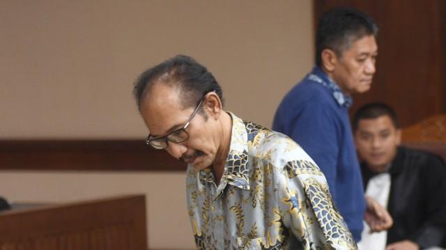 Sidang perdana suap pada PN Jakarta Selatan, R Iswahyu Widodo, Irwan