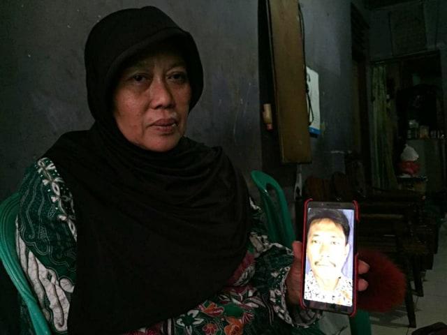 Rudi Mulia Prabowo, Ketua KPPS di Kelurahan Pisangan Baru yang meninggal karena kelelahan (NOT COVER)