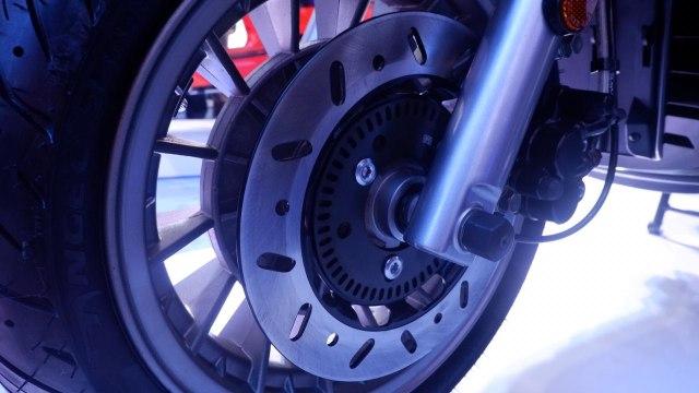 Vespa S 125 i-get 2020 vs Lambretta V125 Special, Pilih yang Mana? (85830)