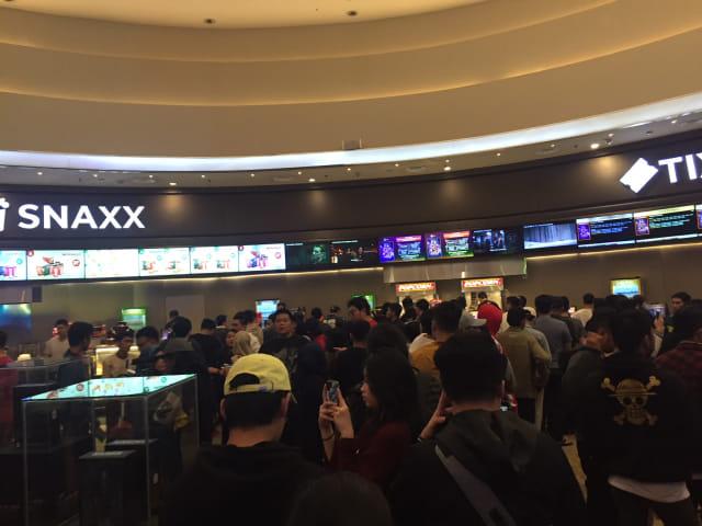 Suasana penonton di Cinemaxx Maxx Box Lippo Village, Karawaci