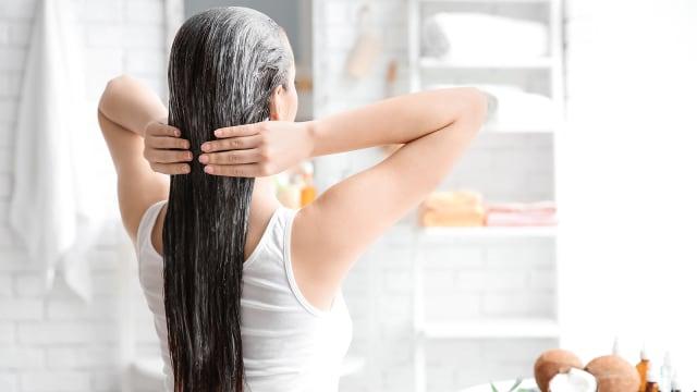 Cara Merawat Rambut Bercabang dengan Bahan Alami (1)