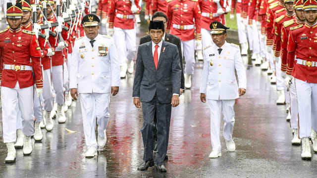 Gubernur Maluku Murad Ismail dan Barnabas Orno, Joko Widodo