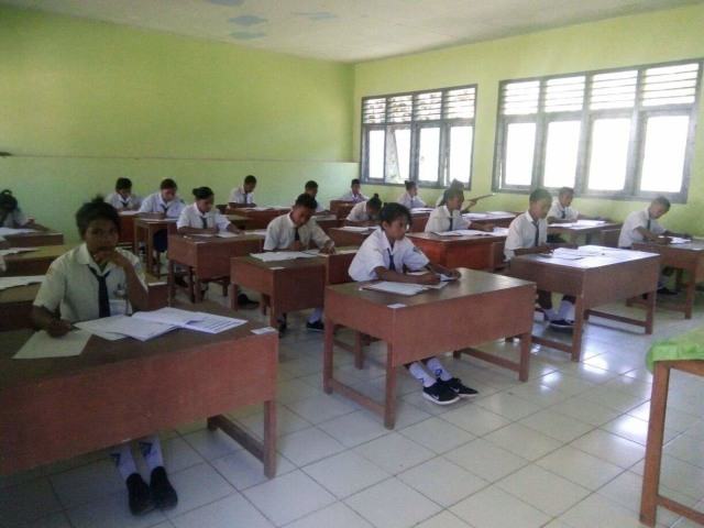 13 SMP di Kota Kupang Masih Laksanakan Ujian Berbasis Kertas