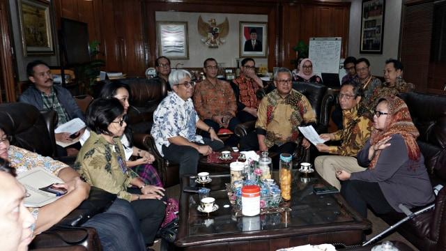 Ketua Arief Budiman, Mahfud MD