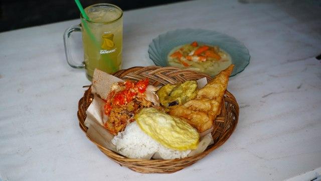 Ayam Geprek Bu Rum di Yogyakarta