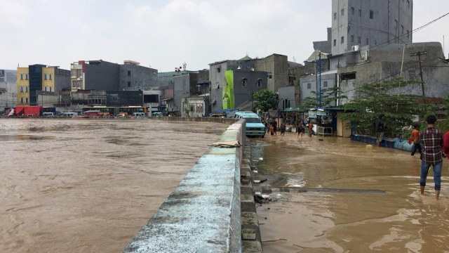 anies-daerah-yang-sudah-ada-normalisasi-juga-terkena-banjir