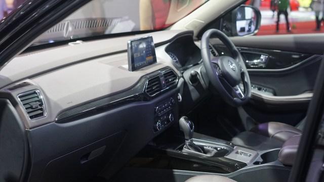 IIMS 2019, Interior DFSK Glory 560