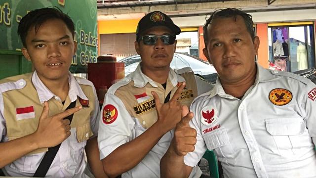 Relawan 02 di Cileungsi: Sampai Mati Kami Akan Bela Baliho Prabowo (310799)