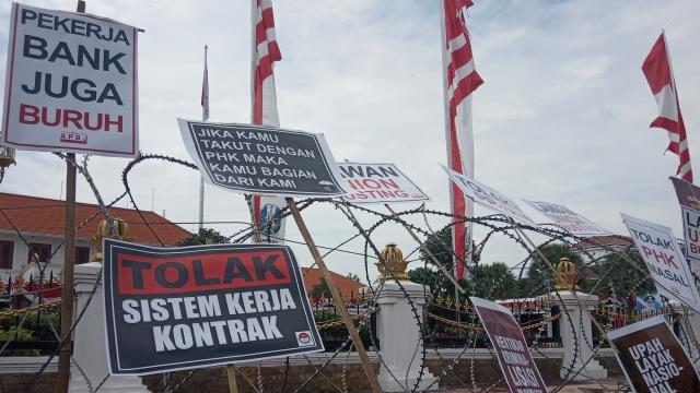 'Buah Simalakama' antara Korporasi, Buruh, dan Posisi Pemerintah (20630)