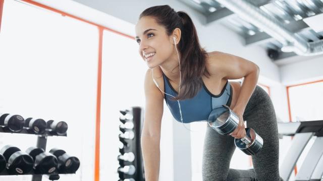 4 Gerakan Olahraga yang Bisa Bantu Mengencangkan Payudara (1431655)