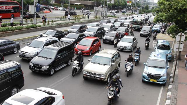 Pembatasan Usia Kendaraan di Jakarta Bikin Penjualan Mobil Baru Moncer  (187040)