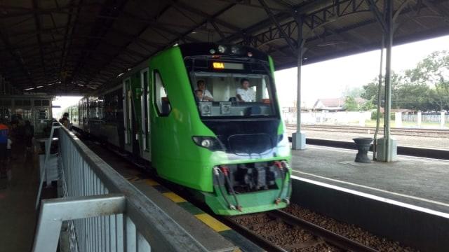 Kereta Bandara Yogyakarta Resmi Beroperasi, Harga Tiket Rp 15 Ribu   (964473)