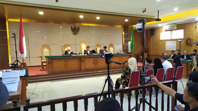 Jaksa Tuntut Neneng Hasanah Yasin 7,6 Bulan Penjara