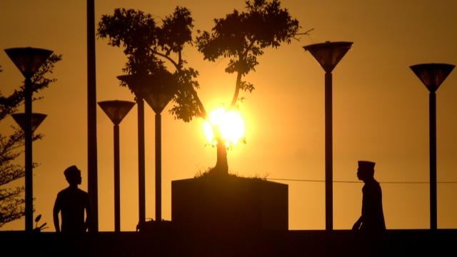 Ilustrasi, Sunset, Matahari Terbenam, Ngabuburit, Pantai Losari
