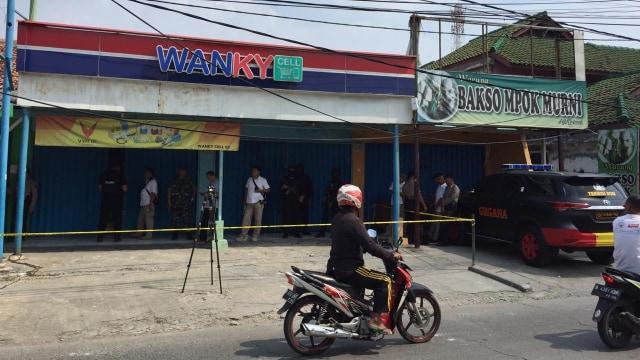 Polisi Duga Penemuan Bom di Konter Ponsel Terkait JAD Lampung-Bekasi (12936)
