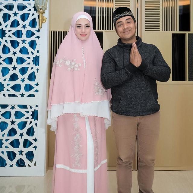 Foto: Celine Evangelista dalam Balutan Hijab Syar'i (26044)