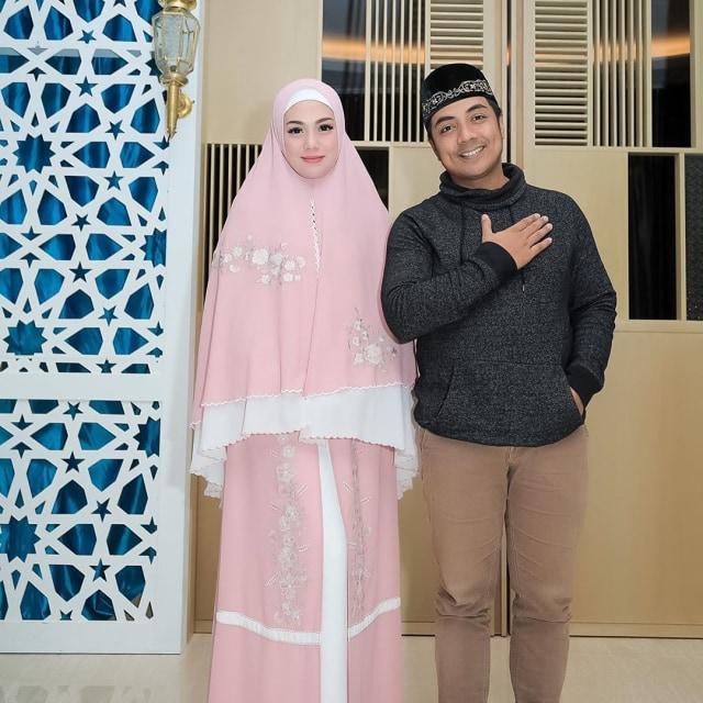 Foto: Celine Evangelista dalam Balutan Hijab Syar'i (26041)