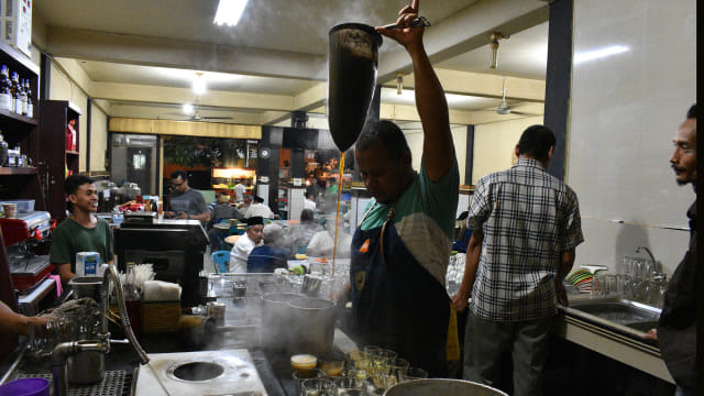Menengok Tradisi Ramadan di Aceh, Menyesap Kopi usai Tarawih (10858)
