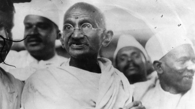 Kisah Mahatma Gandhi, Bapak Antikekerasan yang Menginspirasi (10346)