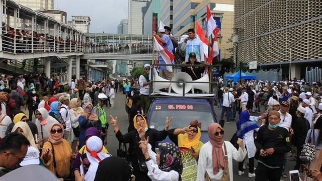 Massa Aksi di depan gedung Bawaslu