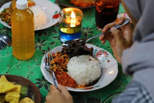 Sego-Sambel-Cumi-Cak-Uut-Malang-by-feryarifian.JPG