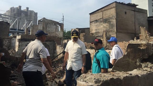 Anies Tinjau Langsung Lokasi Kebakaran di Kampung Bandan, Jakut (279626)