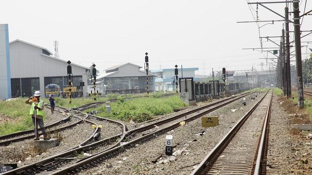Ilustrasi pekerja rel kereta api