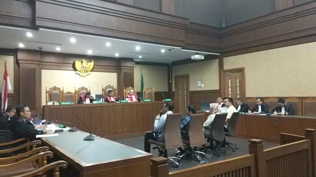 Sidang dugaan suap dana hibah Kemenpora kepada KONI dengan terdakwa tiga pejabat Kemenpor