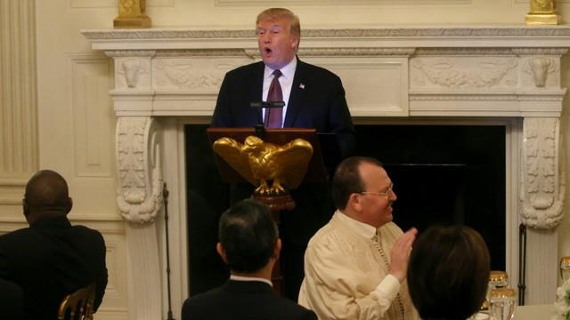 Trump Pecat Penasihat Keamanan Kontroversial John Bolton (6982)