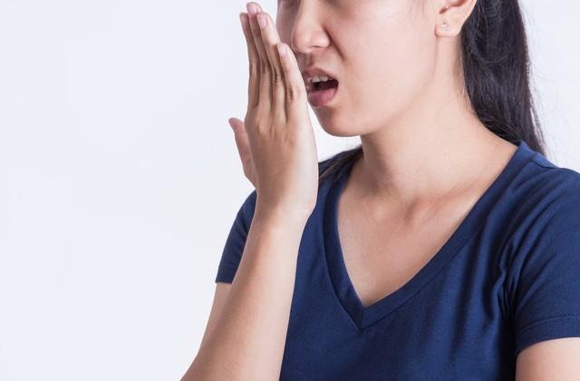 com-Ilustrasi bau mulut
